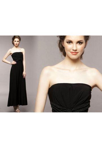 Дълга черна рокля с дискретна декорация