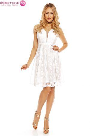Изискана рокля от дантела Charms в бяло