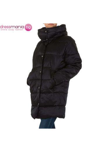 Зимно дамско яке в черно