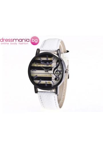 Часовник с пиано и ноти бял CHROME