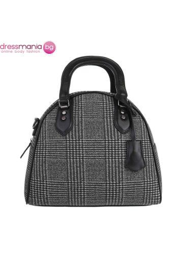 Текстилна дамска чанта черно каре