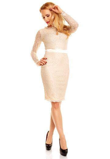 Изискана рокля от беже дантела с нежен колан