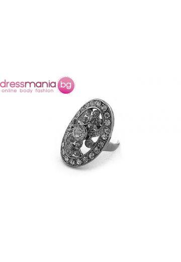 Стилен объл дамски пръстен Dekolte със сиви камъни