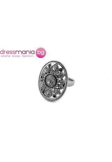Елегантен дамски пръстен с нежни камъни Dekolte