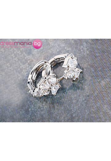 Циркониеви посребрени обици с кристали Dekolte