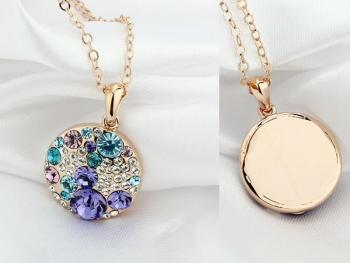 Кръгъл медальон с цветни кристали Dekolte