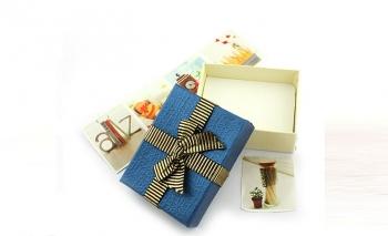 Синя правоъгълна подаръчна кутия Dekolte