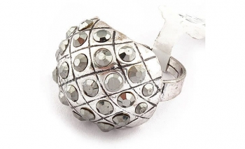 Модерен пръстен с декорация Dekolte