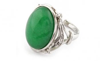 Стилен дамски пръстен със смарагдов камък реплика Dekolte