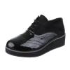 Ежедневни обувки комбинация от лак и набук в черно