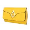 Клъч с метална декорация в жълто