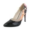 Стилни лачени обувки на висок ток с флорална задна част в черно
