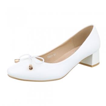 Ежедневни обувки с нисък ток в бяло