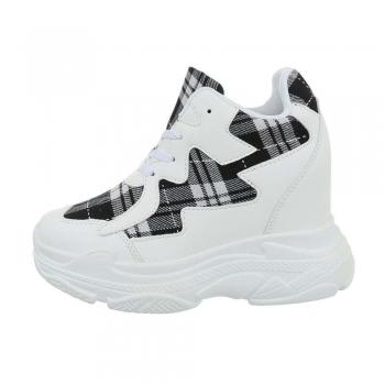 Ежедневни обувки в бяло с вътрешна платформа и акцент сиво каре